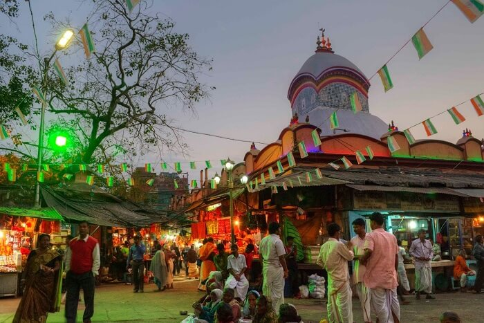 Seek Blessings At The Many Temples in kolkata