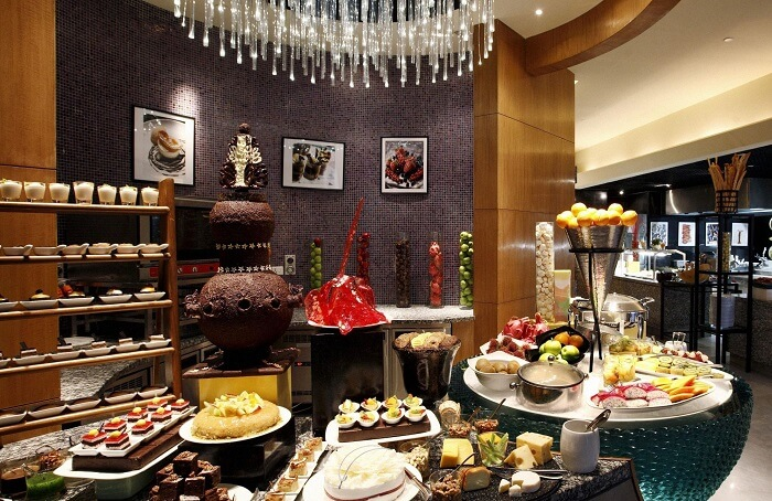 Buffet Lunch At Crowne Plaza Gurgaon