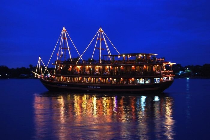 indochina junk dinner cruise