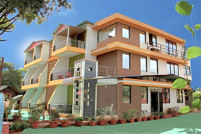 Exterior view of JK motel Panchgani