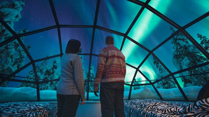 northern lights glass igloo