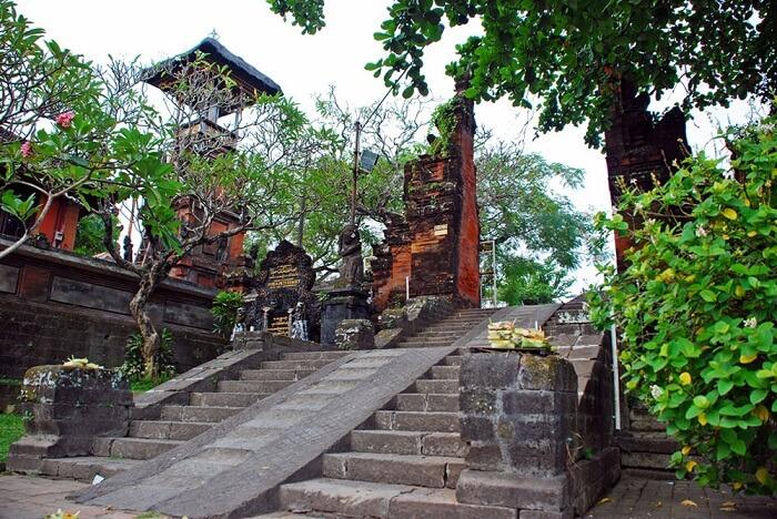 seminyak temple