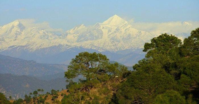 snow covered mountain of Kausani