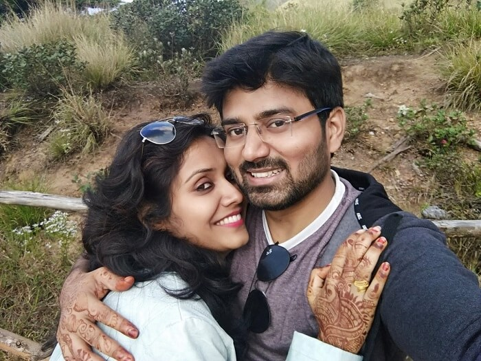 Couple traveling to Munnar
