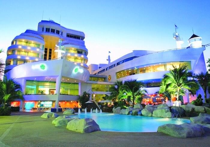 pool side at A One Royal Hotel Pattaya