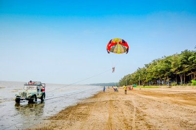 Parasailing at Jampore Beach Daman