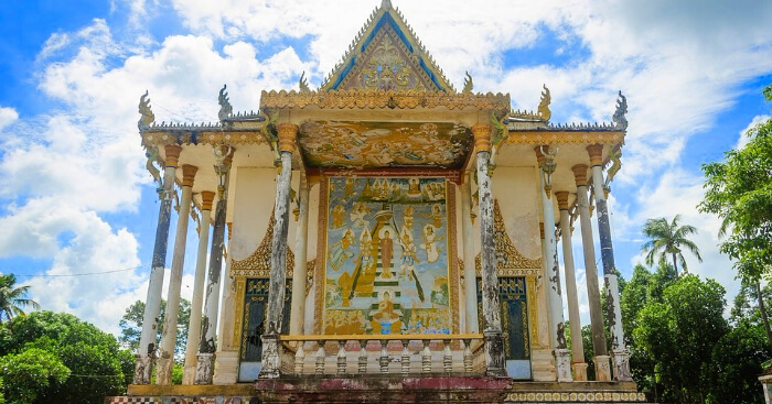 a beautiful Cambodian monument