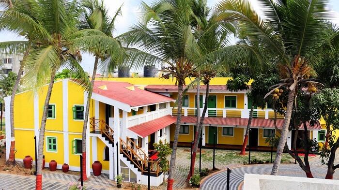 Hardys Villa Resort daman resorts