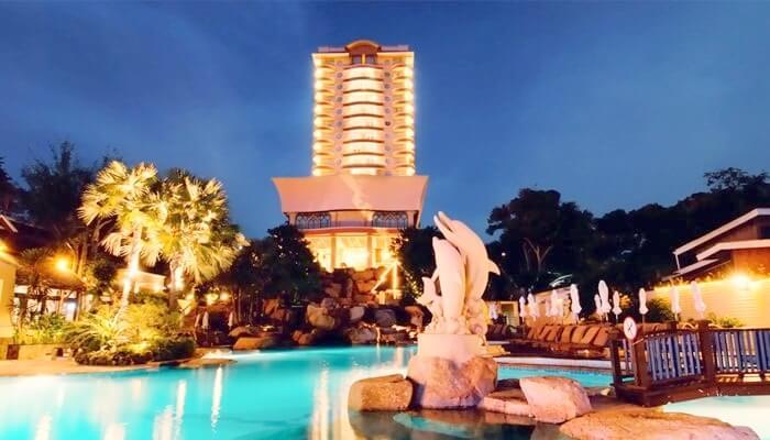 Front view of Long beach Garden Hotel Pattaya