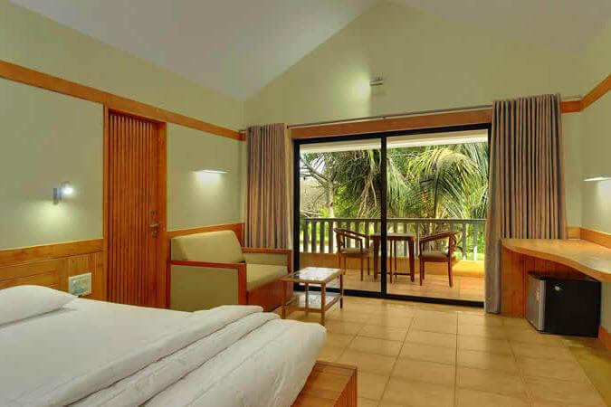 Peninsula Kalay Resort in daman