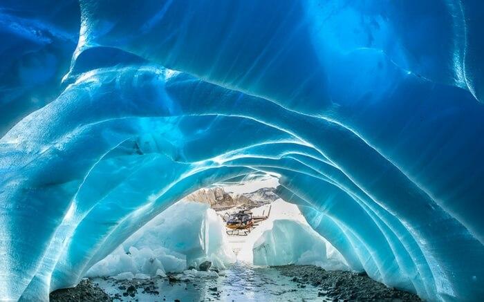 acj-kayak-in-canada-glacier (2)