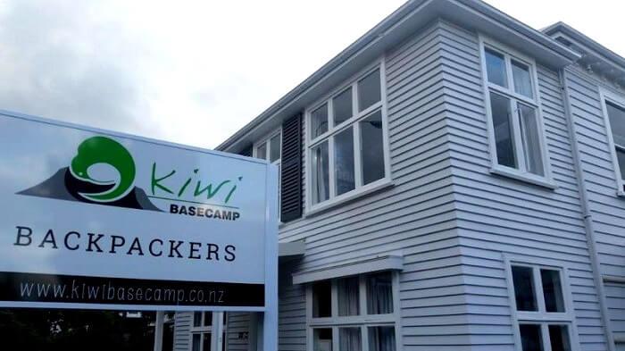 kiwi basecamp hostel