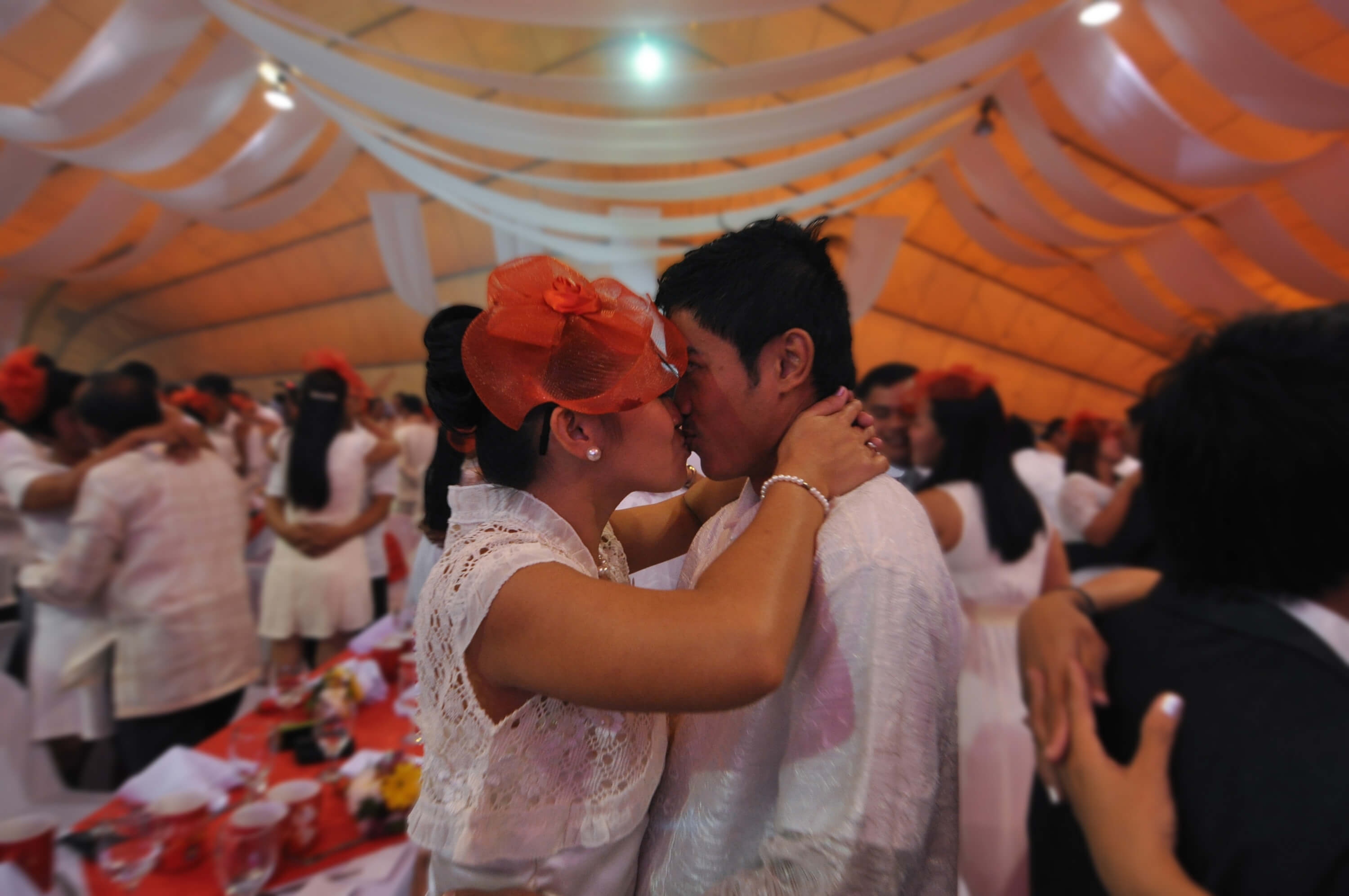 couples getting married in Philippines on valentines day