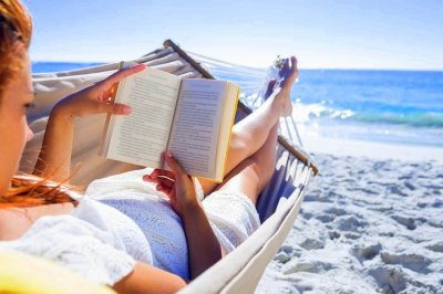 books to read on a holiday