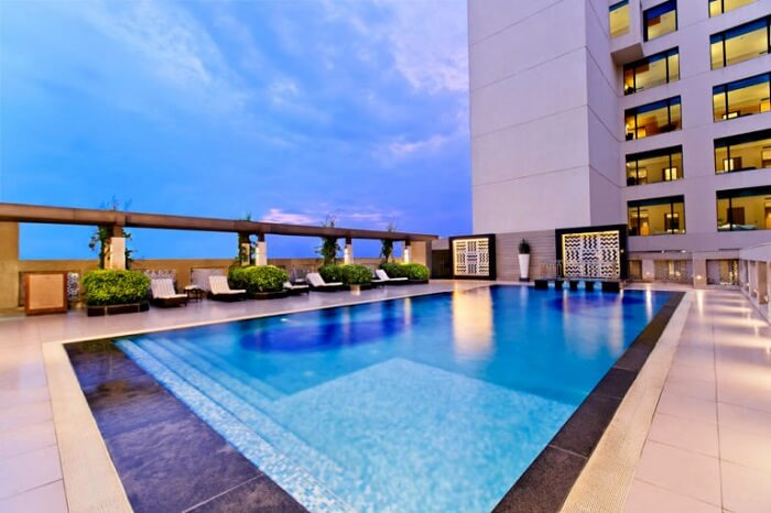 rooftop pool the lalit