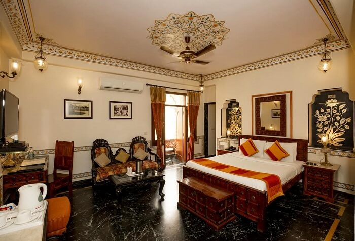 room in umaid mahal