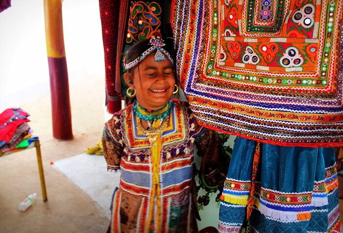 Little girls selling handicrafts at Kutch