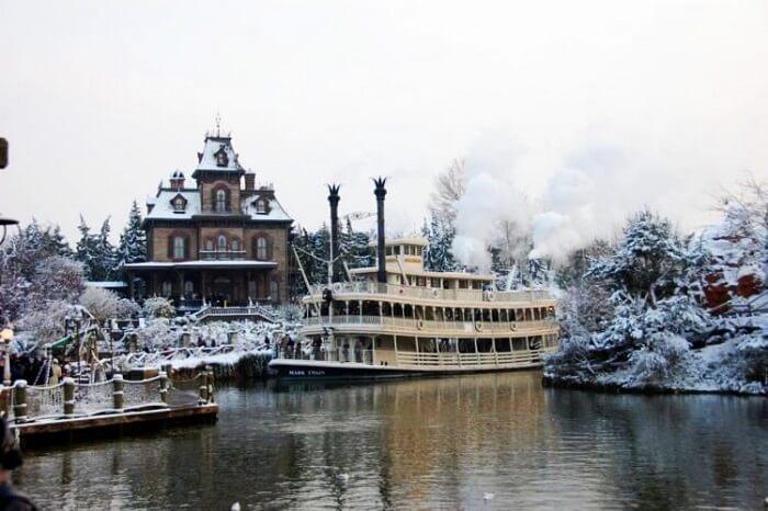 Haunted Mansion Disneyland