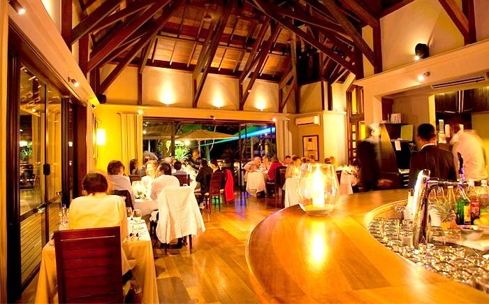 sitting of Dix Neuf Restaurant Mauritius