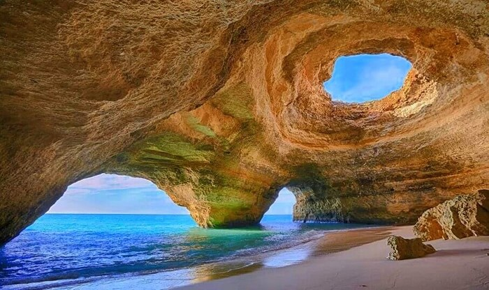Find the hidden cave beaches of Algarve in Portugal