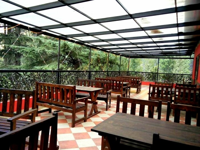 born cafe in kasol