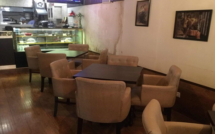 simple decor of a cafe
