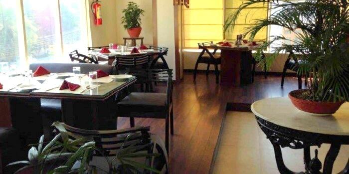 town table restaurant Dehradun