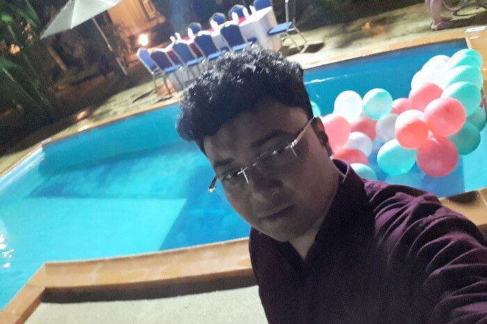 Himanshu honeymoon trip to Mauritius: hotel pool