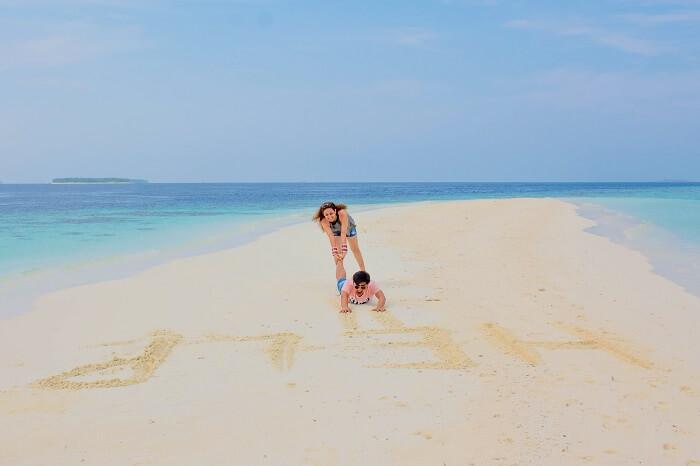 ankit wadhwa maldives honeymoon: photoshoot beach draw