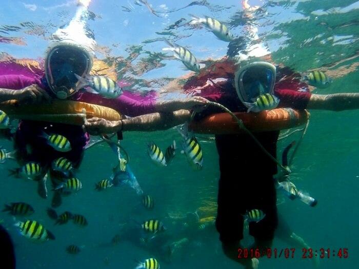 Couple Enjoying Water Sports Andaman