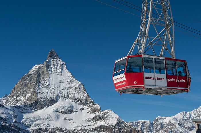 Enjoy thrilling cable car ride from Matterhorn in Zermatt