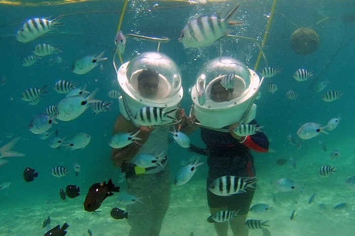 Himanshu honeymoon trip to Mauritius: underwater sea walk