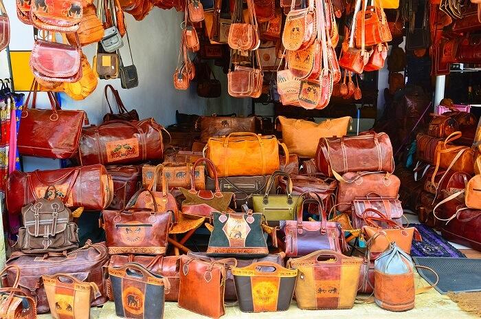 Trust Only Govt Certified Stores for Handicraft shopping in sri lanka