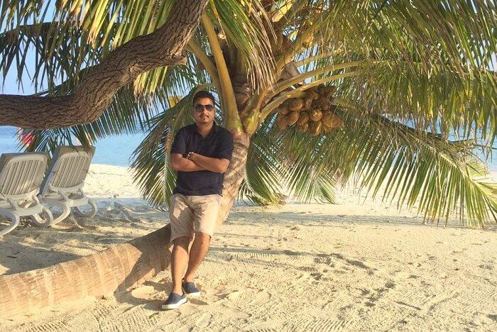sushmita maldives honeymoon: hubby posing