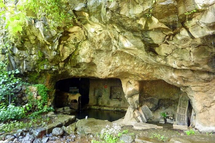 Wander in the historical caves of Rajpuri
