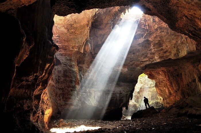 world's longest cave in meghalaya