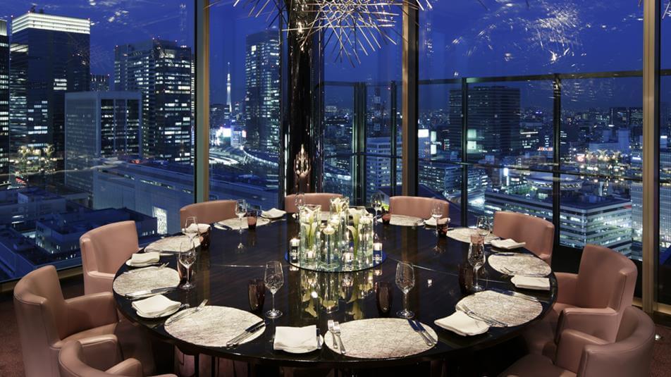 night dining in Tokyo
