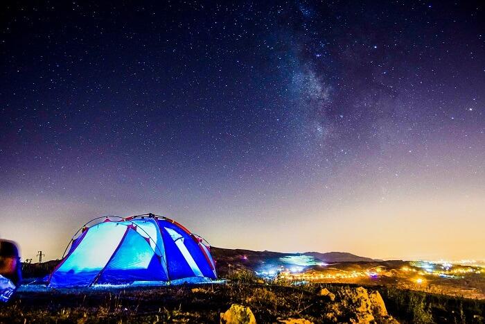 go camping at kanatal