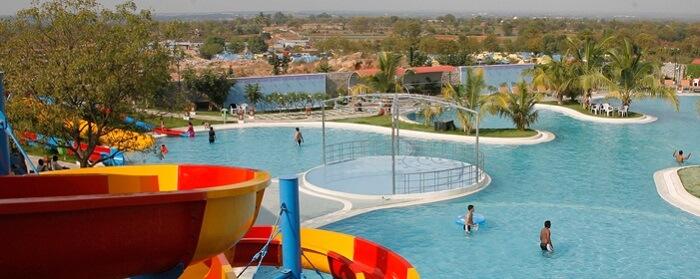 leo splash water park