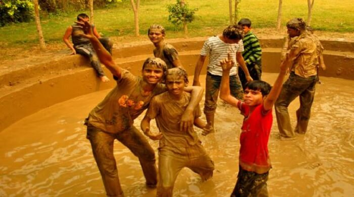 pratapgarh farms mud bath