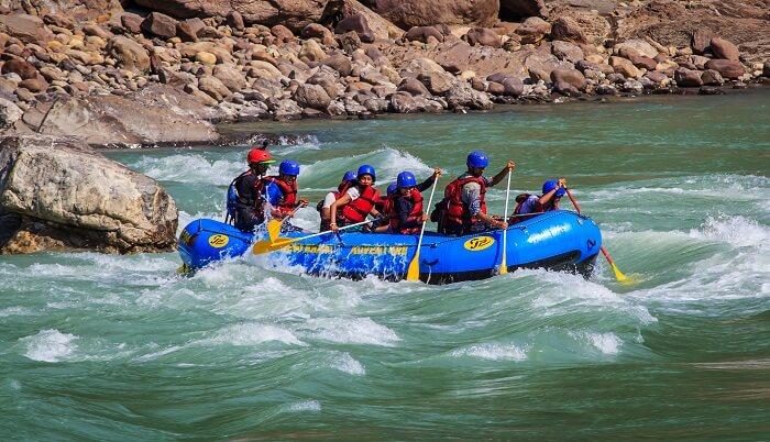 go river rafting at rishikesh