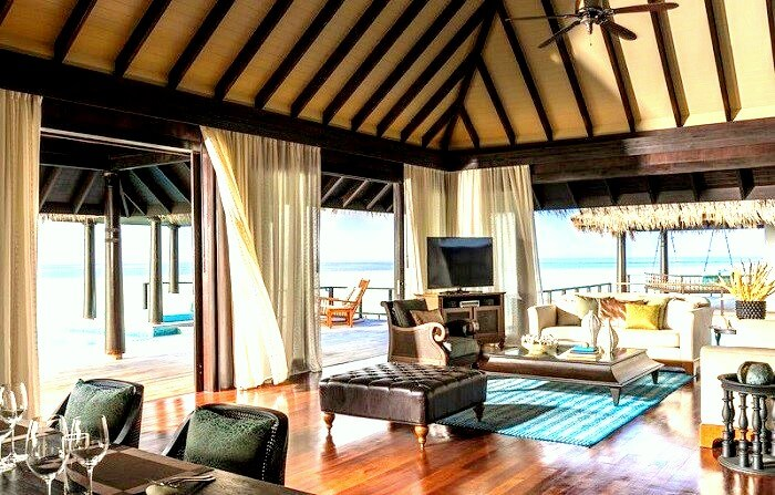 Interior of Anantara Kihavah Maldives Villas