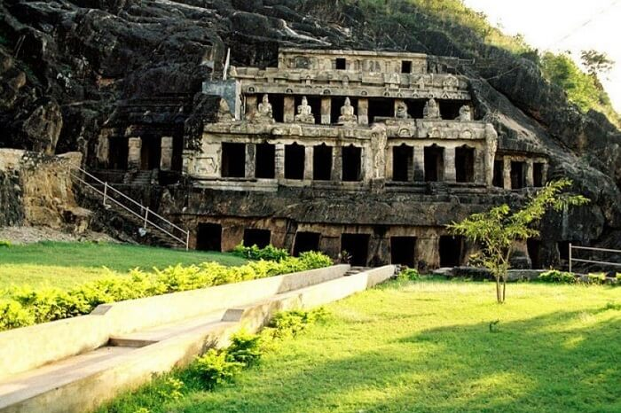 acrhitectural beauty of undavalli caves