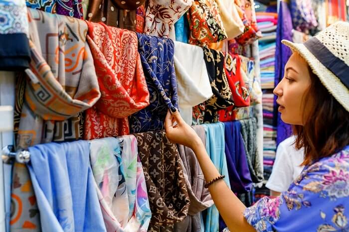 10 Places For Shopping In Jammu For A Unique Experience
