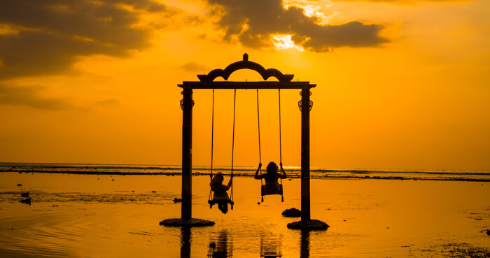 swing amid a sea