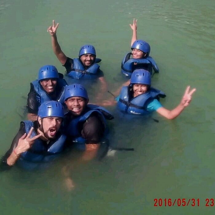 river rafting in rishikesh with friends