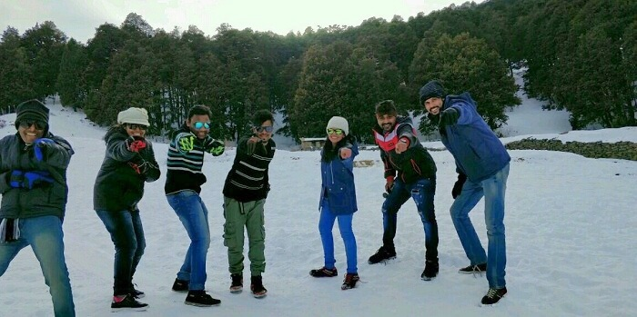 friends trip to auli
