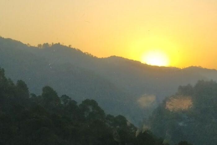 priha dhanaulti weekend trip: sunrise