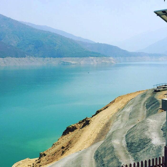 priha dhanaulti weekend trip: winding roads