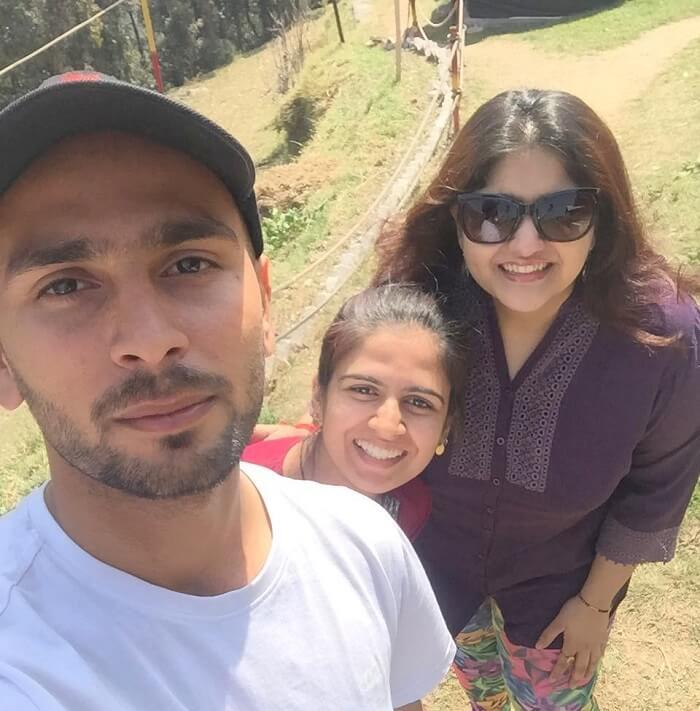 priha dhanaulti weekend trip: selfie